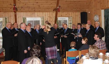 Mannskoret Havdur med dirigent Cecelie Rønhovde