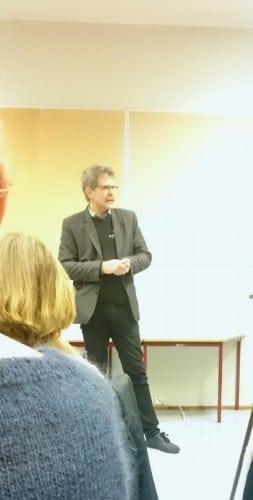 Arne Nordbø stod for kulturelt innslag i pausen