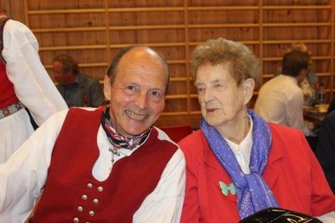Svanhild, 98 år på lørdag, ville bli fotografert sammen med Per Egil