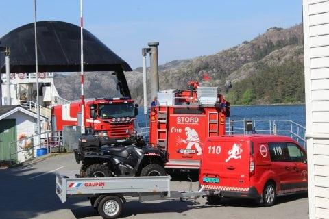 Brannbilane kjøyrde berre i land for å snu - Huglo Brannvern hadde sløkt ilden sjølv